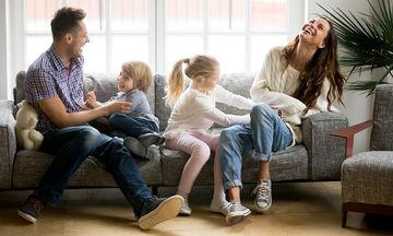Πώς να διατηρήσουν οι γονείς τη σχέση τους ζωντανή
