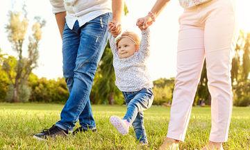 Κινητική ανάπτυξη και κινητική καθυστέρηση: Τι μπορώ να κάνω εάν το παιδί αργεί να περπατήσει;