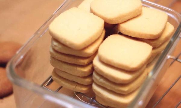 Εύκολα και τραγανά μπισκότα με μόνο τρία υλικά (vid)