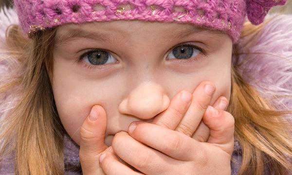 Επιλεκτική αλαλία: Σε ποια ηλικία αναπτύσσεται και πώς μπορεί να αντιμετωπιστεί;