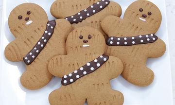 Συνταγή για εύκολα και τραγανά χριστουγεννιάτικα μπισκότα (vid)