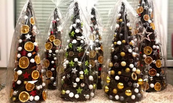 Είκοσι όμορφες ιδέες για να στολίσετε μικρά χριστουγεννιάτικα δέντρα (pics)