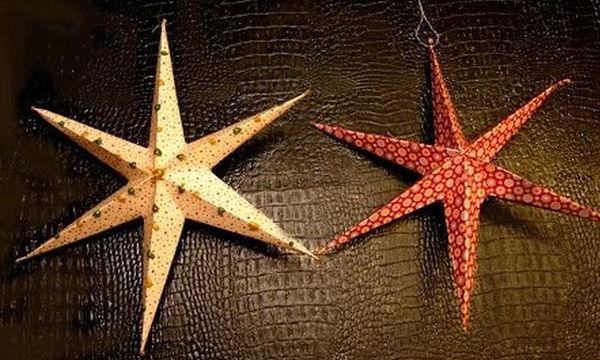 Ήρθαν τα Χριστούγεννα! Γεμίστε το σπίτι κρεμαστά ασημί ή χρυσά αστέρια (vid)