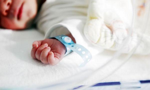 Φροντίδα πρόωρων μωρών: συμβουλές για την αποχώρηση από το μαιευτήριο