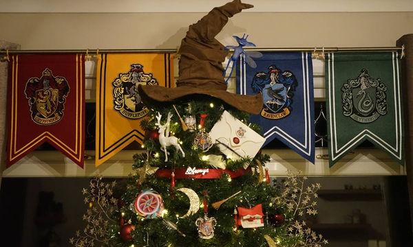 Κάτι αντίστοιχο δεν έχετε ξαναδεί! Χριστουγεννιάτικο δέντρο Harry Potter (pics)