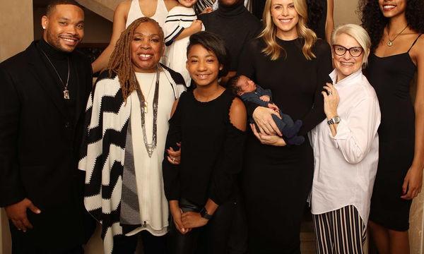 Ηθοποιός του Hollywood φωτογραφίζεται για πρώτη φορά και με τα 10 παιδιά του!  (pics)