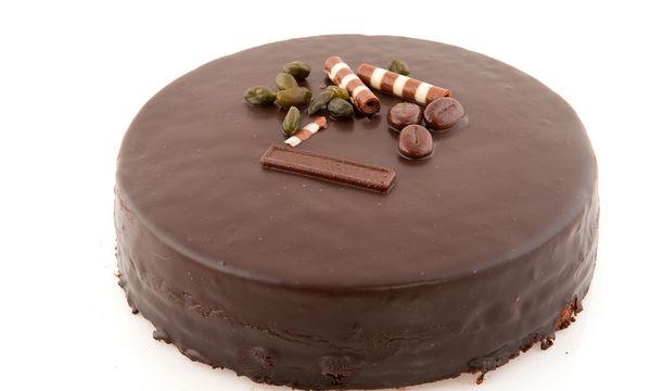 Δύο σοκολατένιες συνταγές για να υποδεχθείτε γλυκά τον Νέο Χρόνο!  (vid & pics)