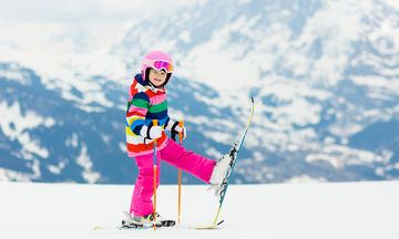 Όλα όσα πρέπει να προσέχουν οι γονείς με τα παιδιά τους στο χιόνι - Συμβουλές για ασφαλείς βόλτες