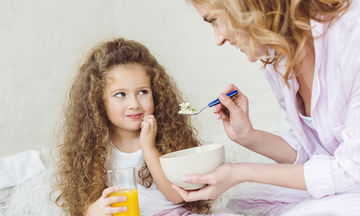 Ιδέες για νόστιμα μικρά γεύματα πριν τον βραδινό ύπνο (vid)