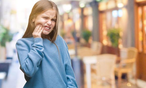 Το παιδί σας έχει πονόδοντο ή δάγκωσε τη γλώσσα του μετά από οδοντιατρική  θεραπεία  Τι e525f2ca978