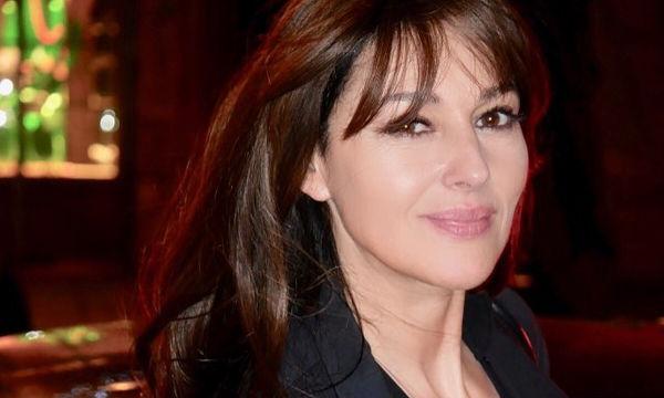 Monica Bellucci: Η μεγάλη αλλαγή στην εμφάνισή της από την ηλικία του ενός έτους μέχρι σήμερα (vid)