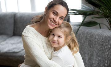 Αυτή η μαμά ανακάλυψε πόσο την αγαπά η κόρη της με τον πιο αστείο τρόπο! (vid)