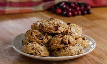 Πεντανόστιμα μπισκότα με αμύγδαλα, βρώμη και cranberries (vid)