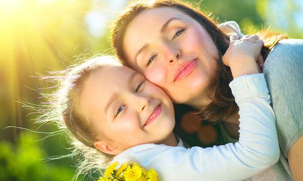 Μια μαμά εξομολογείται: Τι θα έλεγα στον εαυτό μου αν ήμουν πάλι παιδί