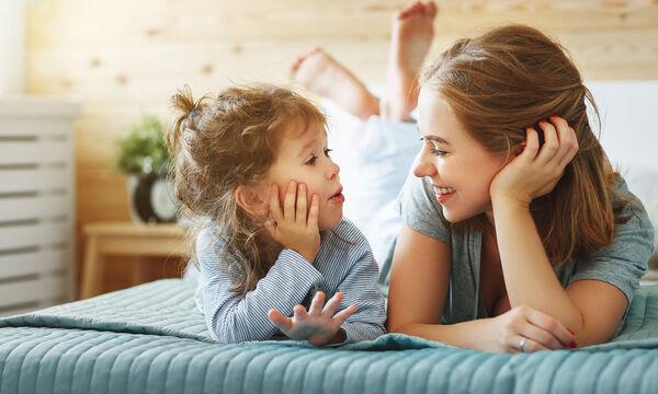 Ποιες δεξιότητες πρέπει να έχει κάθε παιδί για να μιλήσει; (vid)