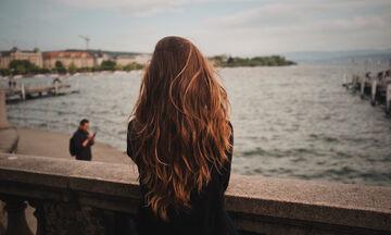 Μάκρυνε τα μαλλιά σου με αυτή τη φυσική συνταγή (vid)
