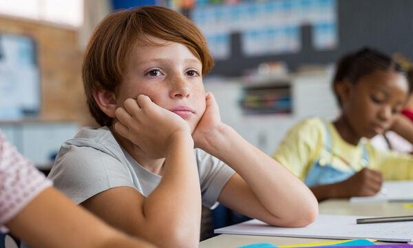 Αφηρημένο παιδί: Πώς να το βοηθήσετε να παραμείνει συγκεντρωμένο