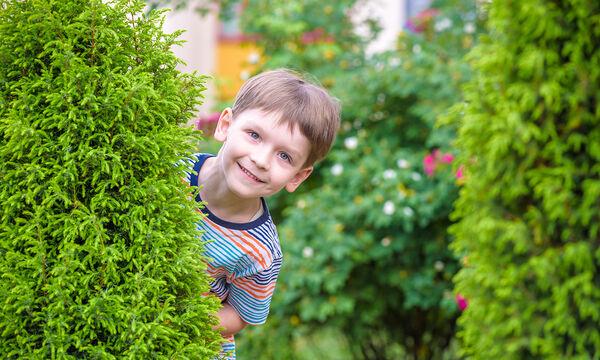 Έπαιζε κρυφτό με τον μπαμπά του και δείτε ποια κρυψώνα διάλεξε! (vid)