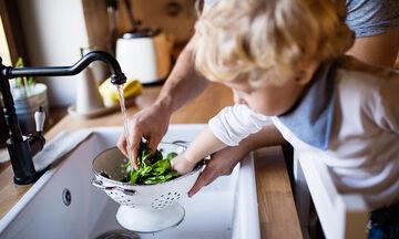 Σπανάκι: Μια super τροφή για υγιή και δυνατά παιδιά (vid)