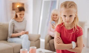 Πώς μαθαίνω το παιδί μου να…γκρινιάζει;