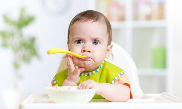 Μαθαίνει το παιδί σας να τρώει μόνο του; Αυτόν τον δίσκο θα τον χρειαστείτε