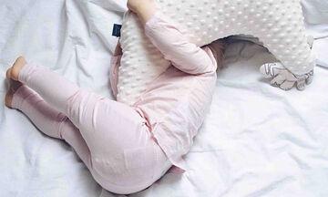 Αυτό είναι το πιο άνετο μαξιλάρι θηλασμού και εγκυμοσύνης (pics)