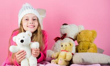 Πώς να καθαρίσετε το λούτρινο αρκουδάκι του παιδιού σας