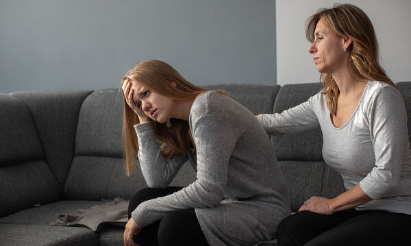 924ba9290706 Πώς να βοηθήσετε το έφηβο παιδί σας να διαχειριστεί τον πρώτο του χωρισμό