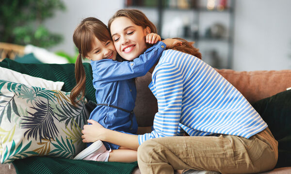 Με ποιον τρόπο μπορούμε να επαινούμε ένα παιδί και πόσο συχνά;