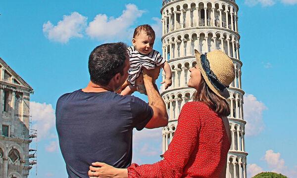 Μαμά ταξιδεύει μαζί με την ενός έτους κόρη της και μας προτείνει να κάνουμε το ίδιο (pics)