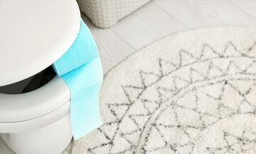 Αυτός είναι ο λόγος που δεν πρέπει να βάζετε χαρτί στη λεκάνη της τουαλέτας (vid)