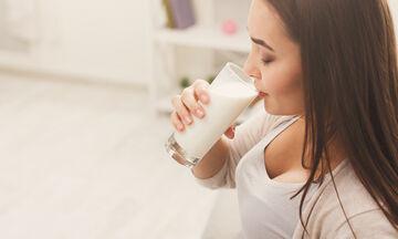 Ο διατροφολόγος Κωνσταντίνος Ξένος αποκαλύπτει τα πάντα γύρω από το γάλα (vid)