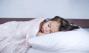Παιδί και ύπνος: Πόσο πρέπει να κοιμάται ένα παιδί ανά ηλικία (πίνακας)