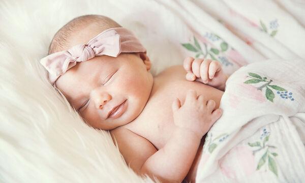 Η μοναδική στιγμή που τα μωρά αρχίζουν να χαμογελούν! (vid)