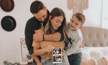Είναι έγκυος για δεύτερη φορά και δεν μπορεί να κρύψει το πόσο χαρούμενη αισθάνεται! (pics)