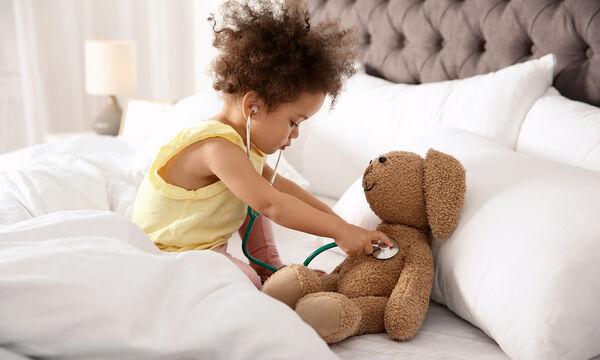Πώς να ψυχαγωγήσετε ένα άρρωστο παιδί