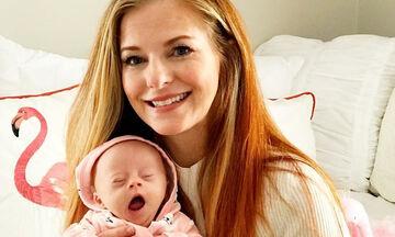 Δημοσίευσε φωτογραφίες με την κόρη της που έχει σύνδρομο Down - Πάνω από 347.000 χρήστες τη λάτρεψαν