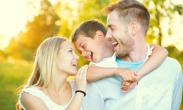 Οικογένεια: Η σημασία των σύντομων διακοπών – Διασκεδαστικά παιχνίδια για μικρούς και μεγάλους (vid)