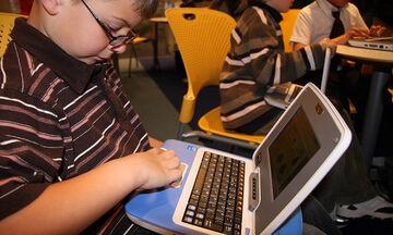 Το παιχνίδι που τα παιδιά μπορούν να κουβαλούν παντού μαζί τους αντί για tablet