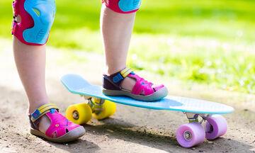 Αξιολάτρευτη 3χρονη κάνει μοναδικές φιγούρες με το skateboard! (vid)