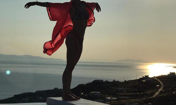 Κόβει την ανάσα η Ελληνίδα μαμά δύο παιδιών με το αψεγάδιαστο κορμί της (pics)