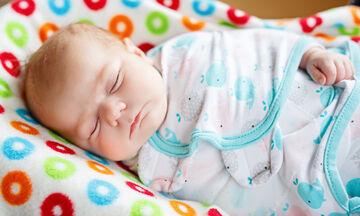 5 λόγοι που τα μωρά κοιμούνται πολύ και γιατί θα πρέπει να τα αφήνετε