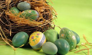 Εύκολες και έξυπνες ιδέες για να βάψετε και να διακοσμήσετε τα πασχαλινά αυγά (vid+pics)