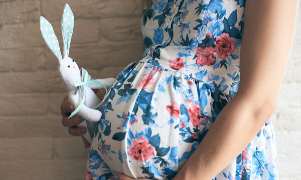 Πότε αρχίζει να φαίνεται η κοιλιά στην εγκυμοσύνη;