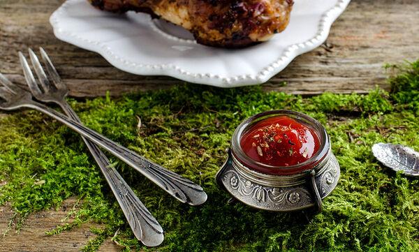 Αυτό δεν το γνωρίζετε σίγουρα: Πώς να γυαλίστε τα ασημικά με σάλτσα ντομάτας!