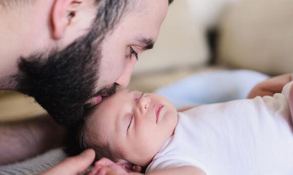 Έχετε νεογέννητο στο σπίτι και ο άνδρας σας έχει γενειάδα; Δείτε γιατί πρέπει να ανησυχείτε