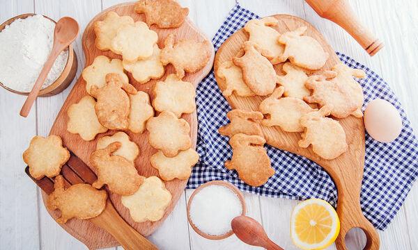 Συνταγή για αφράτα πασχαλινά κουλουράκια (vid)