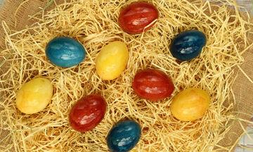 Φέτος βάφουμε αυγά με φυσικό τρόπο!