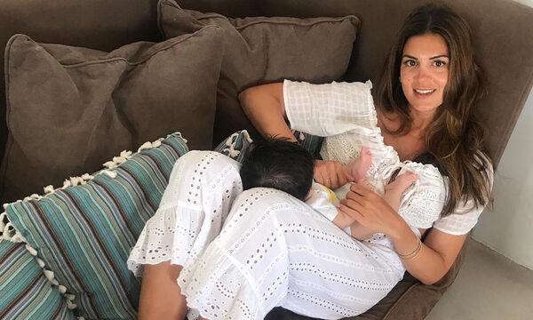 Σ. Τσιμτσιλή: Ο γιος της έχει γενέθλια - Ο πρώτος χρόνος με το μωρό μέσα από φωτογραφίες (pics&vid)