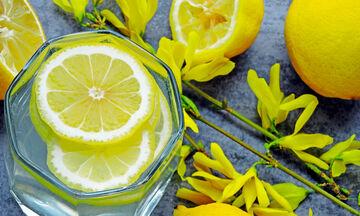 Δίαιτα του λεμονιού: Χάστε 4 κιλά σε 7 μέρες (vid)